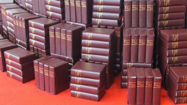 FP2 La bible des Peuples