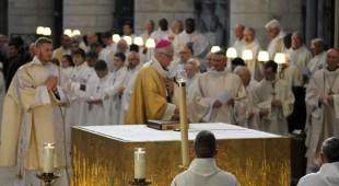 IMG_1509  Encensement de l'autel