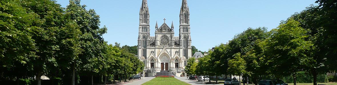 basilique-notre-dame-de-montligeon-1180x435
