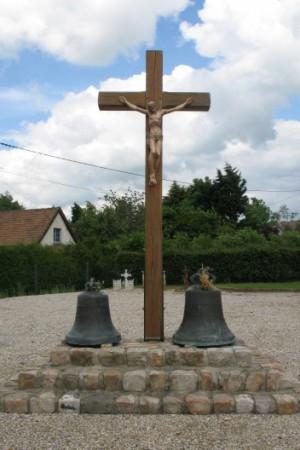 le calvaire de saint-aignan et ses deux cloches