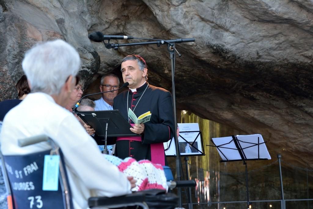 Lourdes consécration (1)
