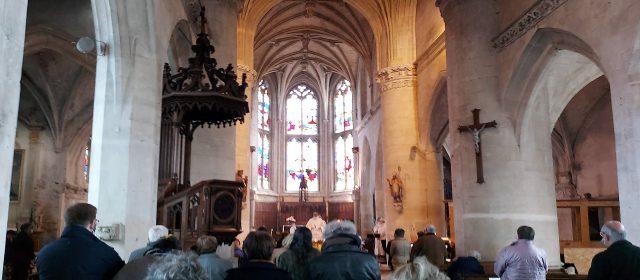Messe du 1er mai. Eglise de Criel sur Mer